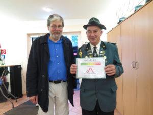 Hartwig Söhren Immobilienmakler und Energieberater (HWK) gratuliert dem Geweinner Dieter Hänel